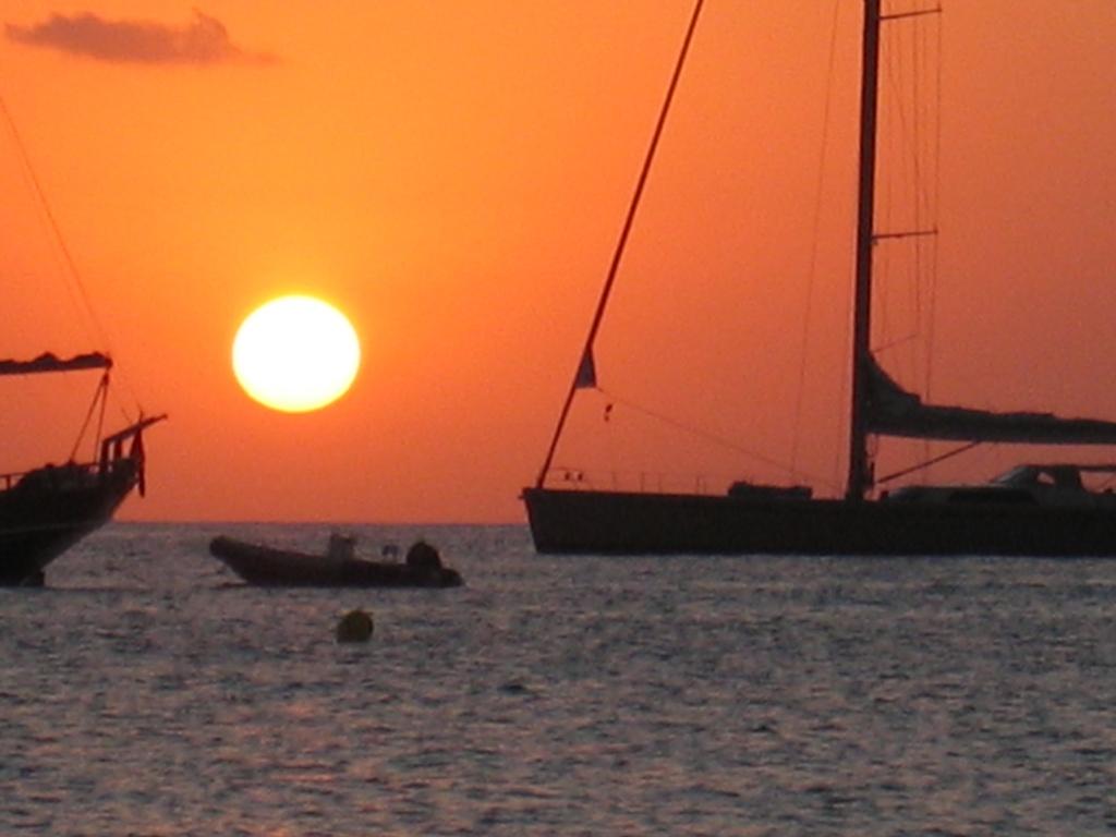 Puesta de sol desde la playa de Formentera